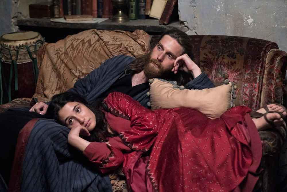 Marianna Fontana e Reinout Scholten van Aschat in una scena del film Capri-Revolution - Photo: courtesy of 01 Distribution