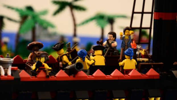 Dal diorama sui pirati esposto alla mostra I Love Lego a Milano
